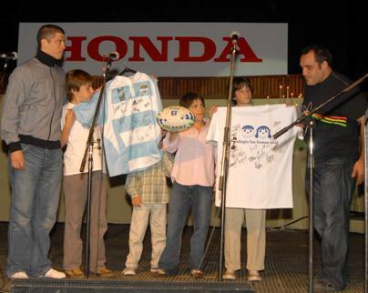Las Lomas Oral tuvo su noche solidaria junto a Los Pumas