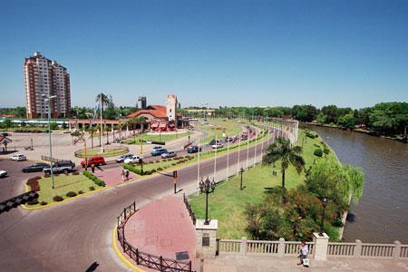 """Se designó con el nombre de """"Avenida Intendente Ricardo José Ubieto"""" al acceso a la ciudad de Tigre, entre las Avenidas Rocha y Cazón (Naciones Unidas)"""