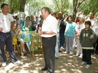 El Intendente de San Fernando, Osvaldo Amieiro, compartió el encuentro organizado por la Dirección de Tercera Edad en el Balneario Municipal