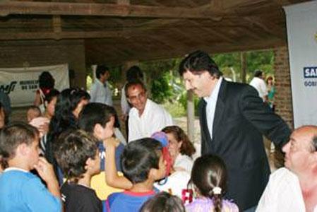 Firmaron acuerdos de convivencia los beneficiarios de viviendas en el bajo San Isidro