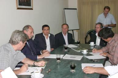 Carlos Bilardo se reunió con los directores de deportes de Zona Norte