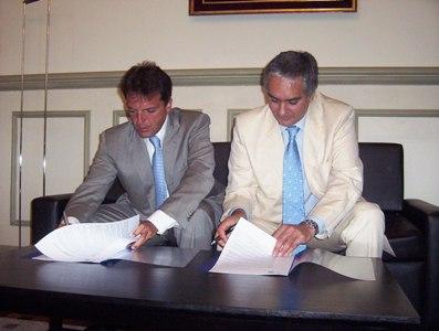 Sergio Massa firmó convenio con el subsecretario provincial Santiago Montoya