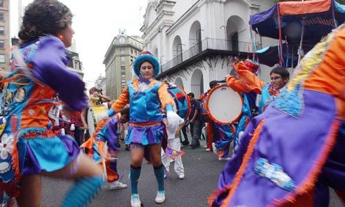 Comienzan los corsos en Buenos Aires