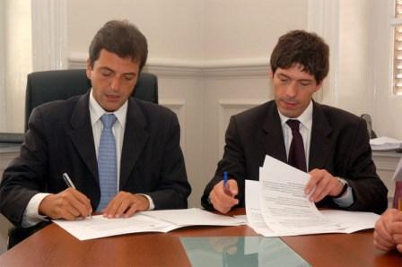 Sergio Massa firmó convenios con la Secretaría de la Gestión Pública, y el IRAM.