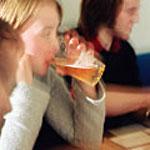 Aumenta el abuso de alcohol entre las adolescentes