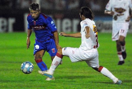 Huracán, con dos goles de Andrés Franzoia, consumó un triunfo sobre Tigre por 2 a 1, como visitante en Victo