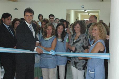 Massa dio inicio al ciclo lectivo 2008 en Tigre inaugurando un Jardín de Infantes