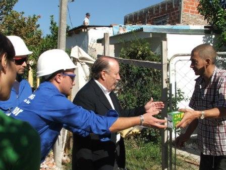 Comenzó el recambio domiciliario de lámparas en San frenando