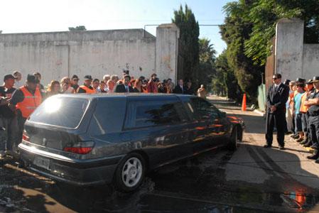 Despiden a Jorge Guinzburg en el cementerio de La Tablada