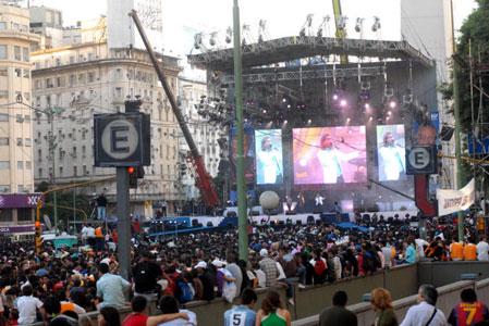 El Pastor Palau convoca a miles de personas en el Obelisco