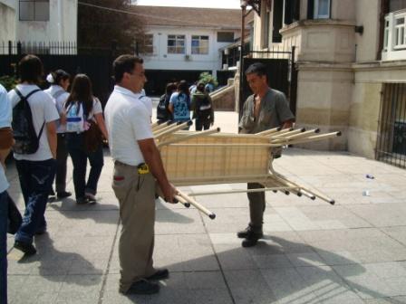 29 escuelas de Tigre recibieron nuevo mobiliario
