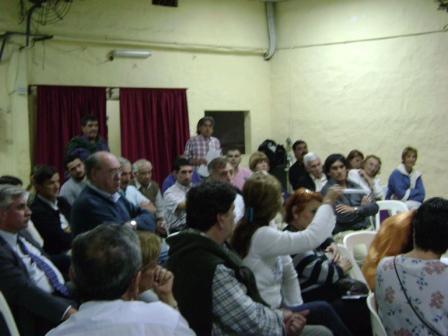 Entre los vecinos presentes, participaron el ex candidato a Intendente, Ernesto Casaretto, y los Concejales Juan Urionagüena, Sabrina Torres, Rosa González
