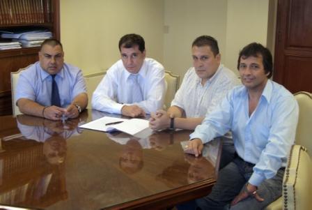 Daniel Gambino, recibió a miembros de la Comisión Directiva del Sindicato de Trabajadores Municipales de Tigre