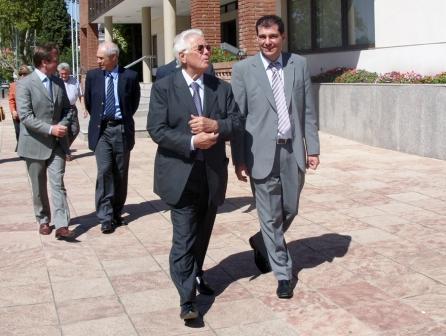 Daniel Gambino recibió al Senador Pallaro en el HCD de Tigre.