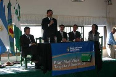 El intendente de San Isidro, doctor Gustavo Posse, y el ministro bonaerense de Desarrollo Social, Daniel Arroyo, lanzaron hoy una nueva etapa del Plan Más Vida