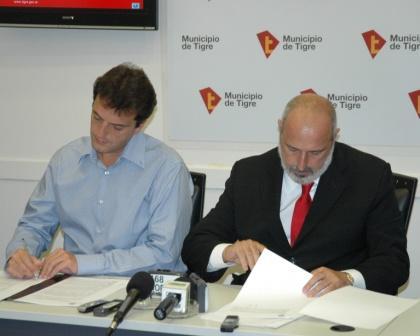 El Intendente de Tigre, Sergio Massa, y el Interventor del Instituto Provincial de Lotería y Casinos, Luis Alberto Peluso