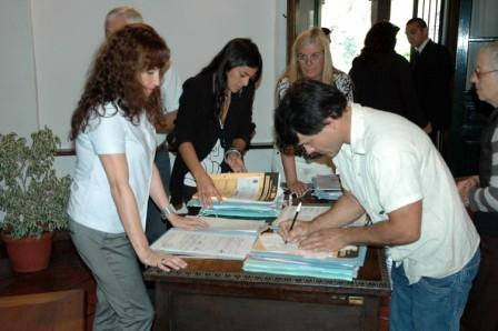 Se firmaron escrituras de interés social para vecinos de Tigre