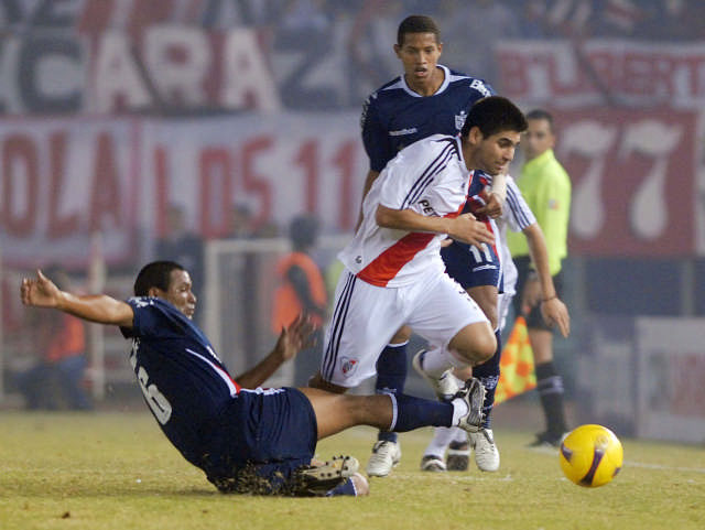 River Plate, en el mejor partido de la era de Diego Simeone, goleó anoche por 5-0 a Universidad San Martín