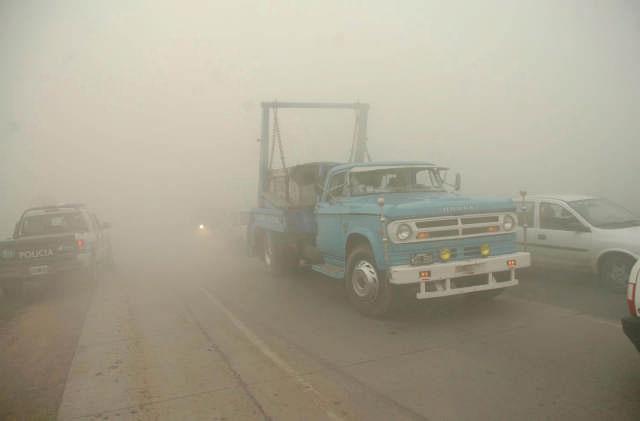 Habilitan las rutas, pero sigue la emergencia por el humo