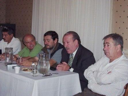 Reunión que se realizó en el municipio de San Fernando con productores del Delta Bonaerense