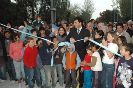 El Intendente Sergio Massa participó del acto junto a vecinos del distrito