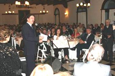 Con una concurrencia que colmó el salón Victoria Aguirre del Club Atlético de San Isidro, la Asociación San Isidro Tradicional realizó ayer la habitual cena con motivo de las fiestas patronales
