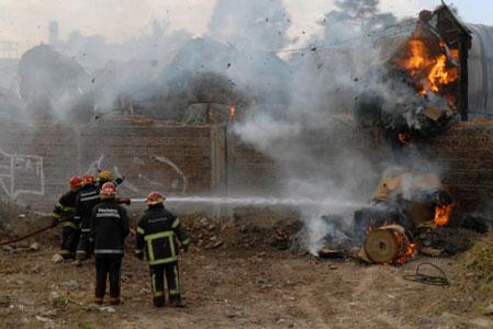 La papelera incendiada en Pacheco estaba bajo clausura
