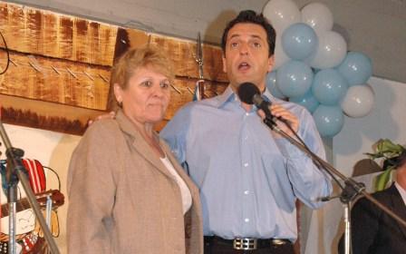 El Intendente Sergio Massa afirmó en el barrio Las Tunas junto a la Concejal ana Grandi