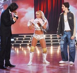 Como viene sucediendo desde hace varias semanas, Fernanda Vives y Daniel La Tota Santillán volvieron a cruzarse en el estudio de ShowMatch.