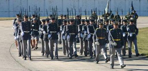 El ejército celebró su día en Boulogne