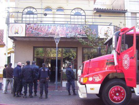 Un Incendio afecto a un restaurante en San Fernando