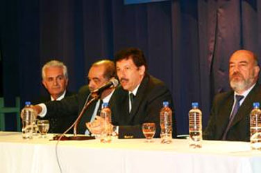 Ante un repleto auditorio, el intendente Gustavo Posse presentó la iniciativa de creación de la Agencia de Control Ambiental y Desarrollo sustentable