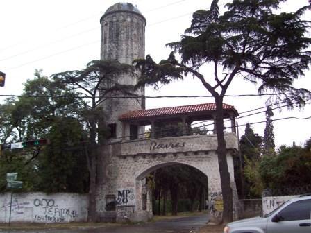 Reconstruirán la Torre de ingreso al Barrio Baires