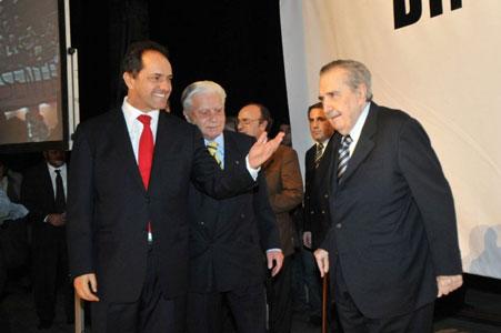 Scioli homenajeó a Raúl Alfonsín