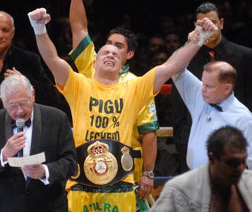 El Tigrense Garay conquista el titulo mundial medio pesado