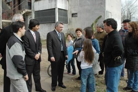 Zamora recorrió obras en el Barrio San Pablo