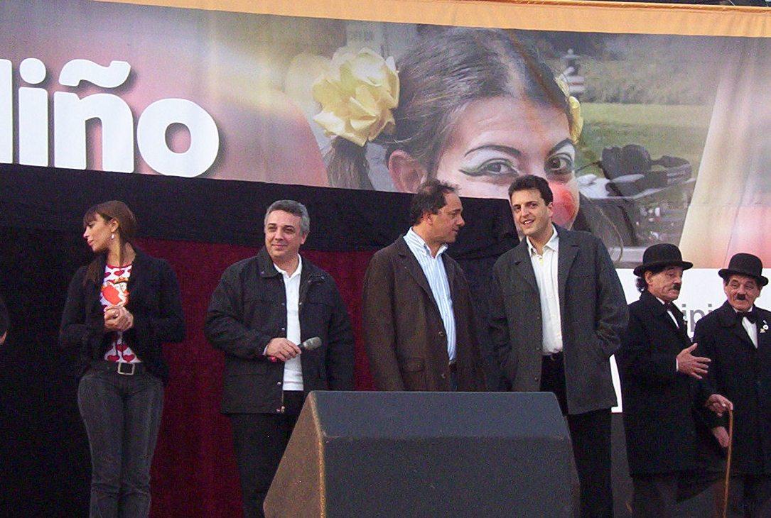 El Intendente Julio Zamora, el Jefe de Gabinete del gobierno nacional, Sergio Massa y el Gobernador de la Provincia en el festejo del día del niño