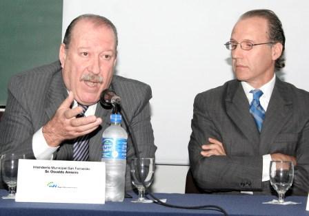 El Intendente de San Fernando, Osvaldo Amieiro, y el Presidente del Instituto Cultural de Buenos Aires, Juan Carlos D´Amico