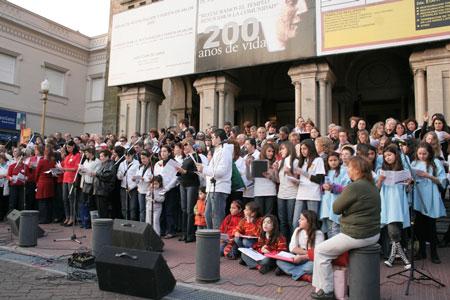 Cientos de vecinos disfrutaron de las actividades culturales realizadas el fin de semana en San Fernando.