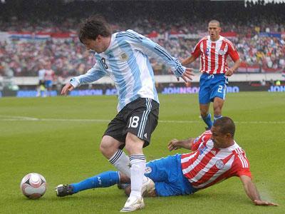 Argentina pudo rescatar un empate ante los Paraguayos