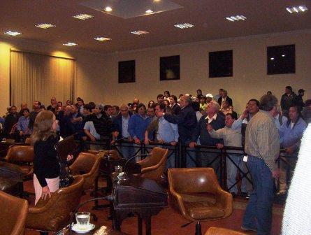 Trabajadores de las lineas 723 y 721 expresan su disconformidad den el HDC de Tigre