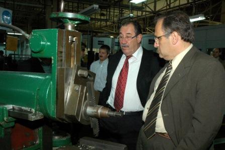 Lo realizó el secretario del COPRET a la firma Ford por $240.000. El monto fue utilizado para la compra de equipamiento de dos escuelas de Tigre.