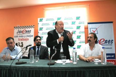 El intendente Osvaldo Amieiro y el Secretario de Empleo y Seguridad Social de la Nación, Lic. Enrique Deibe, presentaron el Programa Nacional Jóvenes con Más y Mejor Trabajo