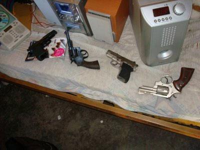 Armas secuestradas en los allanamientos