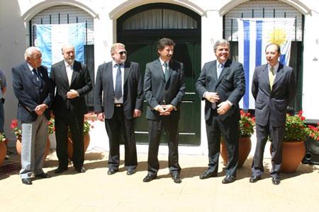Los intendentes de Colonia y San Isidro y el embajador oriental reafirmaron los lazos de hermandad