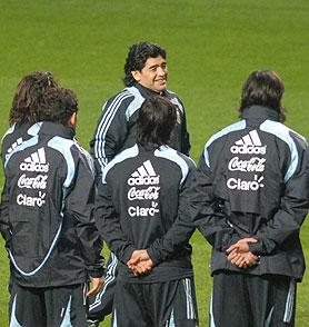 Comienza hoy en Glasgow el esperado ciclo de Maradona