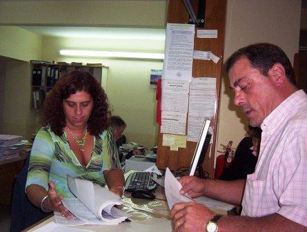 El periodista Daniel Chiliutti, se presentó en mesa de entrada del municipio para presentar un completo expediente con documentación que avalan sus denuncias