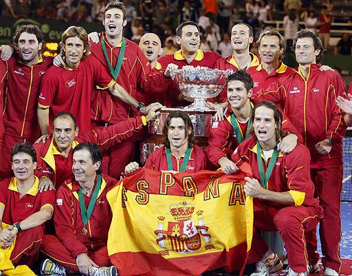 España levantó la Davis ante la desazón del equipo argentino