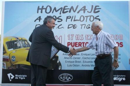 Se largó el gran premio homenaje a pilotos del TC de Tigre