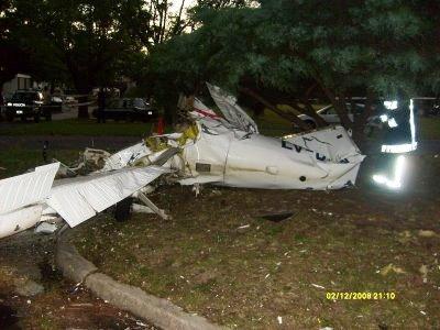 Dos personas murieron al caer una avioneta que hacia un vuelo de adiestramiento en Tigre - Gentileza Tigreseguro.blogspot.com